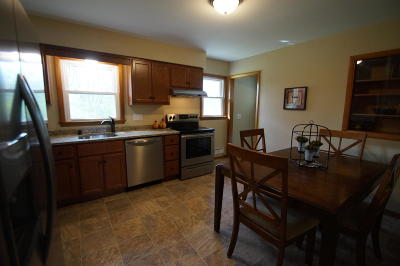 New Berlin Single Family Home Active Contingent With Offer: 3231 S Monterey Dr