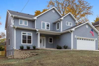 Williams Bay Single Family Home For Sale: 93 Clover St