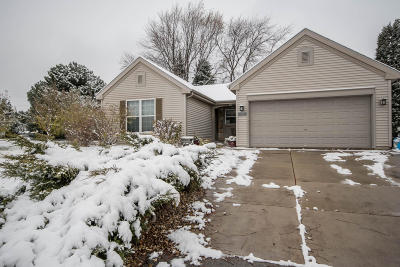 Single Family Home Active Contingent With Offer: 4338 S Honey Creek Dr