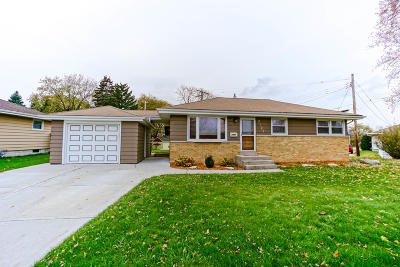 West Allis Single Family Home Active Contingent With Offer: 2527 S 101st St
