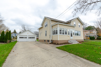 Watertown Single Family Home For Sale: 311 N Monroe St