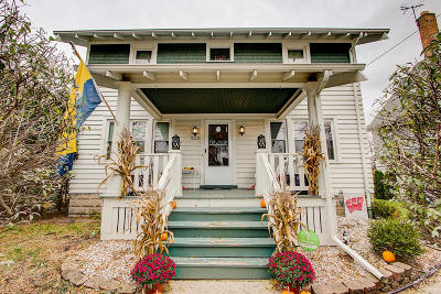 Milwaukee Single Family Home Active Contingent With Offer: 2622 S Wentworth Ave
