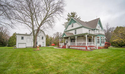 Mequon Single Family Home For Sale: 10763 N Cedarburg Rd