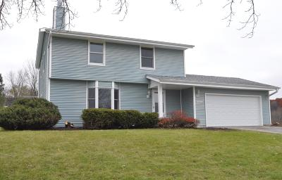 Single Family Home For Sale: W237n7010 Red Oak Knl