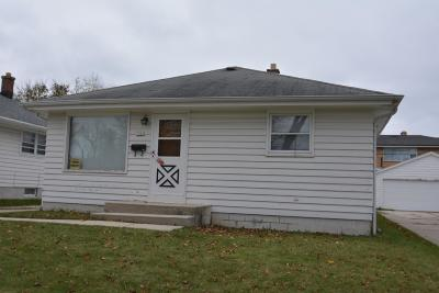 Milwaukee Single Family Home For Sale: 7061 N 42nd St