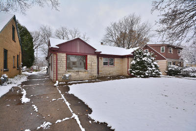 West Allis Single Family Home For Sale: 2147 S 98th St