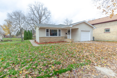 Watertown Single Family Home For Sale: 118 College St