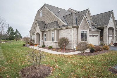 Waukesha WI Condo/Townhouse For Sale: $339,000