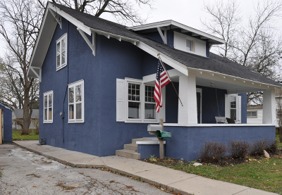 Single Family Home For Sale: 605 Main St