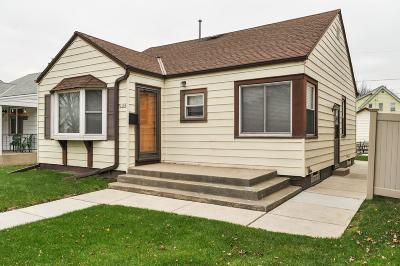 West Allis WI Single Family Home Active Contingent With Offer: $125,000