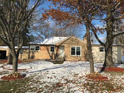 Racine Single Family Home For Sale: 3520 6 Mile Rd
