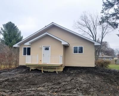 Kenosha Single Family Home For Sale: 7939 46th Ave