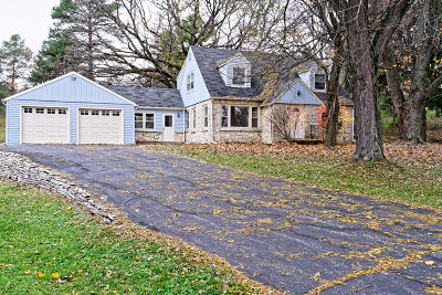 Delafield Single Family Home For Sale: W335n785 Cushing Park Rd