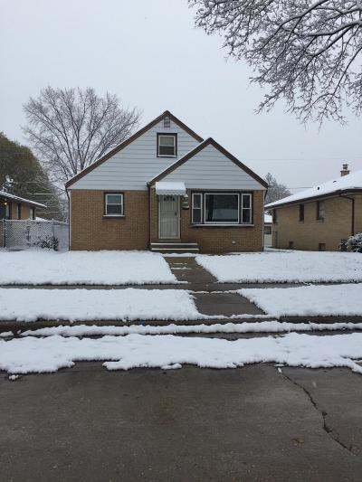 Single Family Home For Sale: 5158 N 69th St