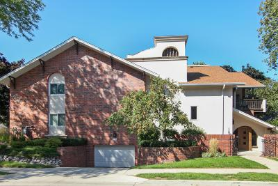 Condo/Townhouse Active Contingent With Offer: 330 E Beaumont Ave #102