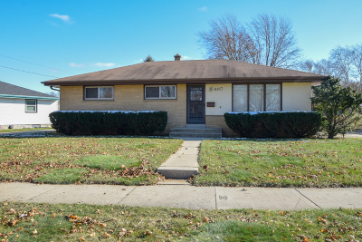 Milwaukee Single Family Home For Sale: 6617 W Hustis St