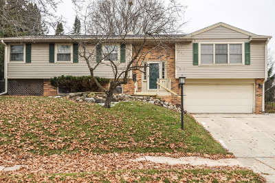 West Bend Single Family Home Active Contingent With Offer: 1210 Pear Tree Ct