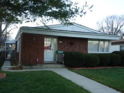 Milwaukee WI Single Family Home For Sale: $98,500
