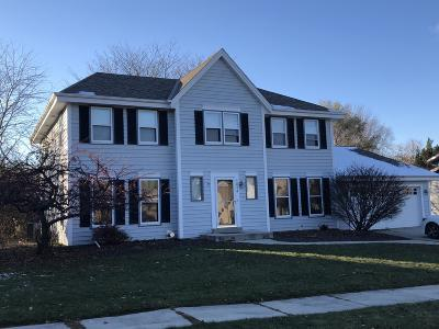 West Bend Single Family Home For Sale: 1014 Cottonwood Ct