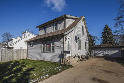 Milwaukee County Single Family Home For Sale: 4938 N 56th St