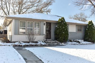 Milwaukee WI Single Family Home For Sale: $124,000