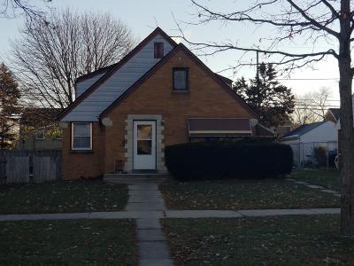 Milwaukee WI Single Family Home For Sale: $65,000