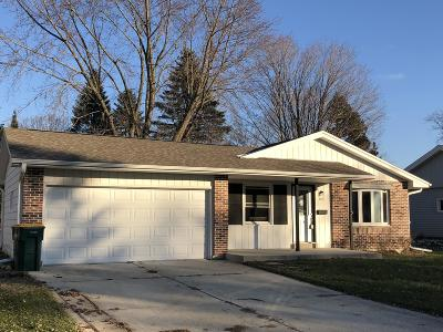 West Bend Single Family Home For Sale: 607 N 18th