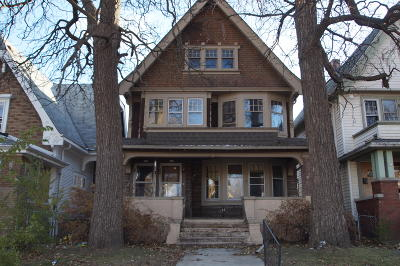 Milwaukee Two Family Home For Sale: 918 S 20th St #920