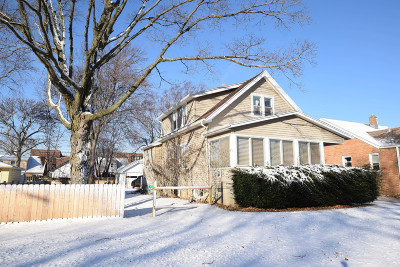 Milwaukee Single Family Home Active Contingent With Offer: 4343 S Quincy Ave