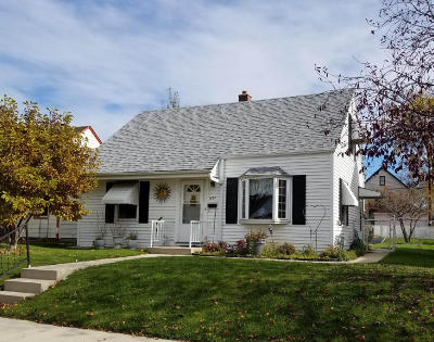 Milwaukee Single Family Home For Sale: 3154 S 19th St