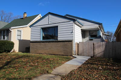 Milwaukee Single Family Home For Sale: 4832 N 37th St