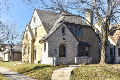 Milwaukee Single Family Home For Sale: 3353 N 46th St