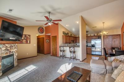 Washington County Condo/Townhouse Active Contingent With Offer: W197n17002 Stonewall Dr