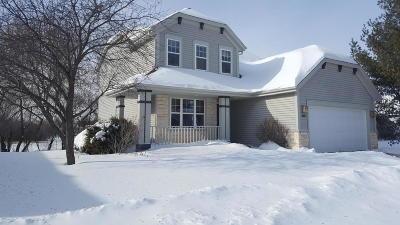 Waukesha Single Family Home For Sale: 3808 Stillwater Cir