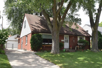 Wauwatosa Single Family Home For Sale: 541 N 104th St