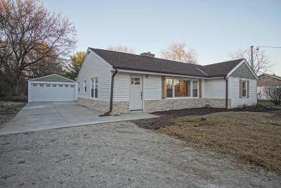 Waukesha Single Family Home For Sale: S36w26776 Genesee Rd