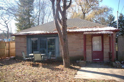 Racine Single Family Home Active Contingent With Offer: 6320 Middle Rd
