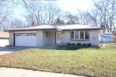 Oak Creek Single Family Home For Sale: 507 E Bonita Dr