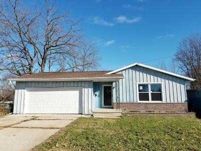Watertown Single Family Home For Sale: 1207 Center St