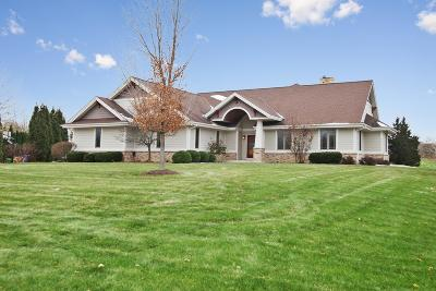 Grafton Single Family Home For Sale: 1581 Swallow Dr
