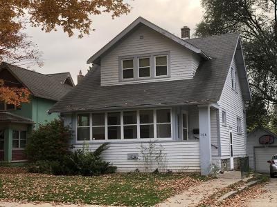 Waukesha Single Family Home For Sale: 106 Columbia Ave