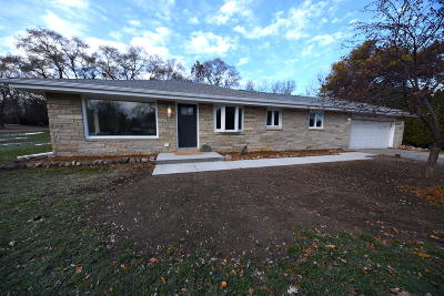Brookfield Single Family Home For Sale: 4225 N 135th St