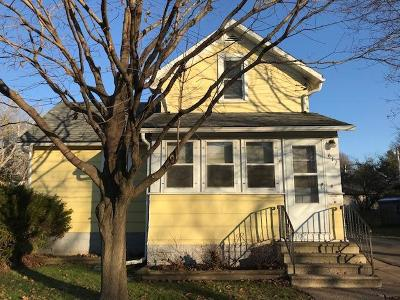 Single Family Home Sold: 617 Walnut St