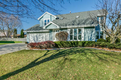Kenosha Single Family Home Active Contingent With Offer: 7001 63rd Ave
