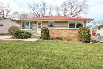 West Allis WI Single Family Home For Sale: $164,000