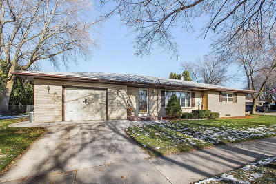 Sheboygan Single Family Home For Sale: 2508 Cooper Ave