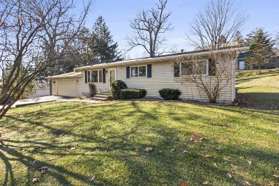 Lake Geneva Single Family Home Active Contingent With Offer: N3275 Pine Rd