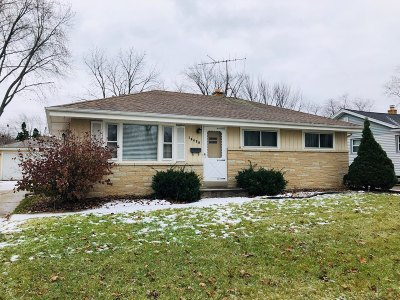 Milwaukee WI Single Family Home For Sale: $110,000