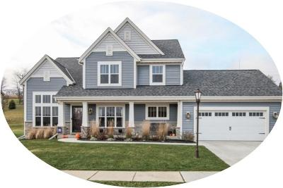 Waukesha Single Family Home For Sale: 3848 Crystal Ln