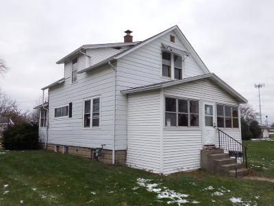 Saint Francis WI Single Family Home For Sale: $63,000